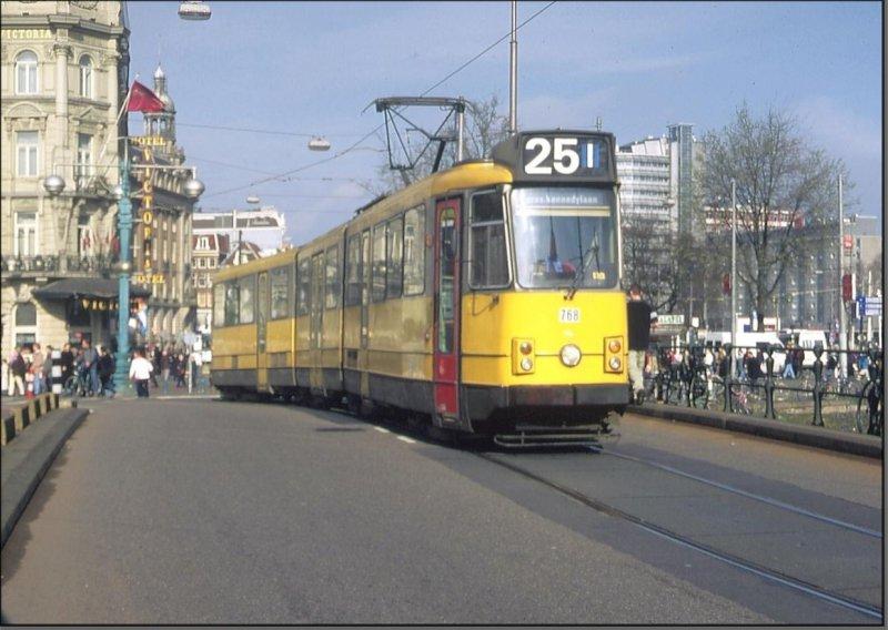 Postkarte Amsterdam (Niederlande) - 8G Gelenktriebwagen 768