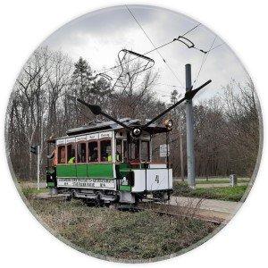 Uhr mit Straßenbahnmotiv - Halle Saale HTW-4